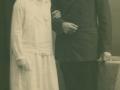 Gårdmand i Skold, Laurits Jacobsen (f. Lauritsen, 1896-1983) og Karen Jensen Rosleff (g. Jacobsen, 1906-2001) fotograferet på deres bryllupsdag. Hodsager, 1929.