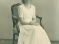 Anna Maria Jacobsen (1934-2016), datter af gårdmand i Skold, Laurits Jacobsen, fotograferet på sin konfirmationsdag i 1949.