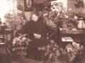 Købmand Jensens enke i Vind Kirkeby, Ane Kathrine Jensen (f. Thomsen, 1869-1947) fotograferet på sin 75 års fødselsdag i 1944.