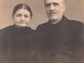 Købmand i Vind Kirkeby, Jens Christian Jensen (1867-1938) og hustru Ane Kathrine Jensen (f. Thomsen, 1869-1947). Årstal ukendt.