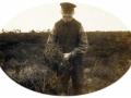 Husmand i Sofiedal, senere i Krathus, Niels Marinus Jacobsen (1836-1920) plukker lyng i Troldtoft. Omkring 1910.