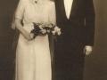 Gårdmand i Kirkegård, Anders R. J. Kirkegaard (1905-1974) og Ingeborg J. Nakskov (g. Kirkegaard, 1915-2008) fotograferet på deres bryllupsdag i 1941.