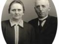 Gårdmand i Kirkegård, Karl J. Kirkegaard (1872-1952) og hustru Karen Kirkegaard (f. Kjeldsen, 1877-1956), Årstal ukendt.