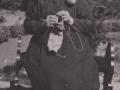 Ane Marie Mikkelsen (f. Kristiansen, 1865-1947), enke efter husmand i Vildkilde, Johannes Mikkelsen (1858-1930). Omkring 1945. For yderligere oplysninger, se menupunktet 'Vind i billeder' -> 'Månedens billede, januar 2016'.