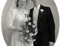 Nancy Brunsborg Nielsen (1927-2013) og mejerist Oluf Lindhardt Nielsen (1922-1970), fotograferet på deres bryllupsdag i 1950.
