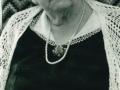 Karen 'Hedegaard' Poulsen (f. Madsen, 1888-1982) fotograferet forud for sin 90-års fødselsdag i 1978. For yderligere oplysninger, se menupunktet 'Vind i billeder' -> 'Månedens billede, oktober 2015'.