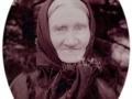 Karen 'Troldtoft' Jensen (f. Pedersdatter, 1829-1915), enke efter gårdmand i Troldtoftgård, Peder Agerfeld Jensen (1833-1904). Årstal ukendt.