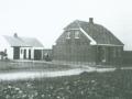 Vind Stationsby: Slagter Bertel C. Bertelsens hus og forretning med slagteri i udhuset, Brombærvej 1. Årstal ukendt.