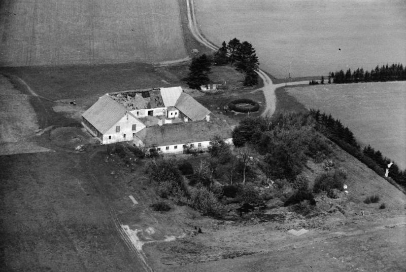 83. Vind, 1949. Ørnhøjvej 14, 'Løvhus'.