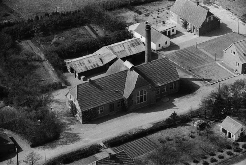 2. Vind Stationsby, 1949. Mejeriet.