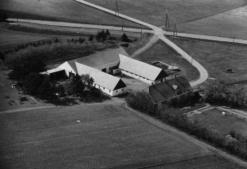 26. Vind, 1949. Holstebrovej 32, 'Søndergård'.