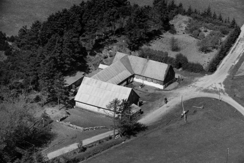 32. Vind, 1949. Præstevejen 26, 'Nørgård'.