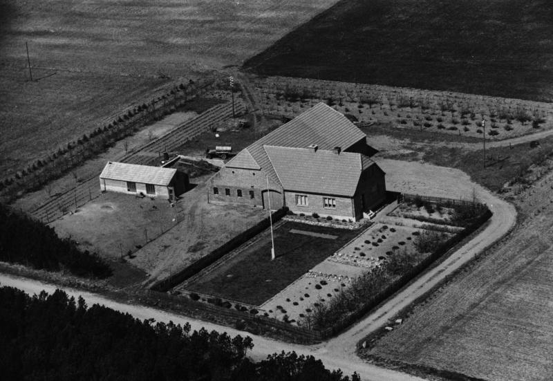 34. Vind, 1949. Præstevejen 30, 'Skovly'.
