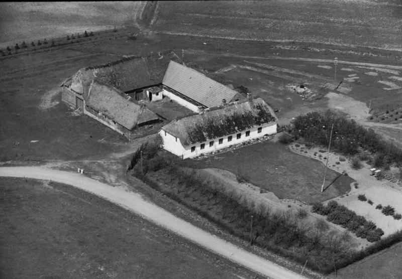 43. Vind, 1949. Råstedvej 4, 'Bahr'.
