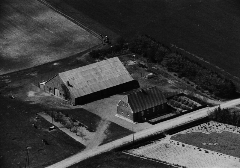 44. Vind, 1949. Råstedvej 7, 'Vesterbo'.