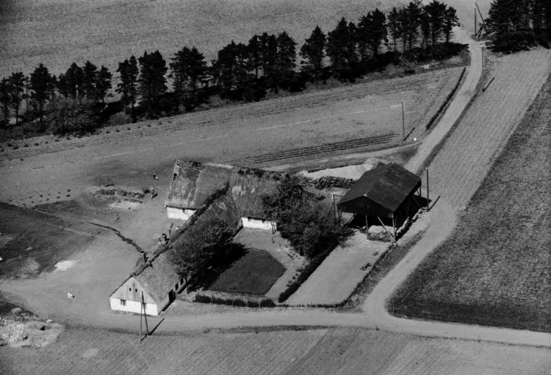 39. Vind, 1949. Røjkærvej 17, 'Arnsbjerg'.