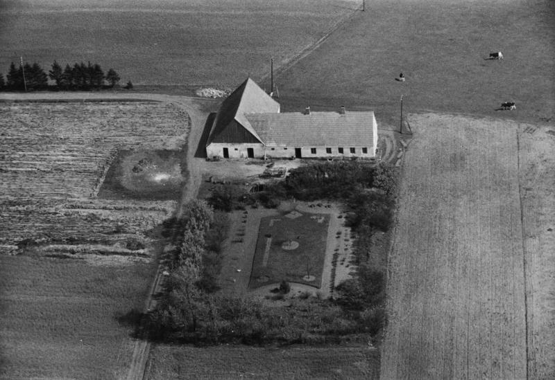 64. Vind, 1949. Toftvej 16, 'Nybo'.