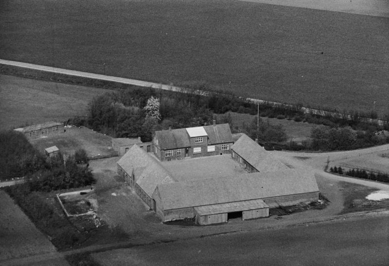 59. Vind, 1949. Toftvej 6, 'Voldstedgård'.