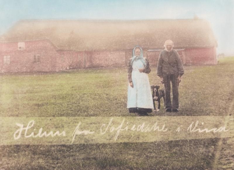 Mette Kirstine og Niels Marinus Jacobsen fotograferet foran Sofiedal, omkring 1900.