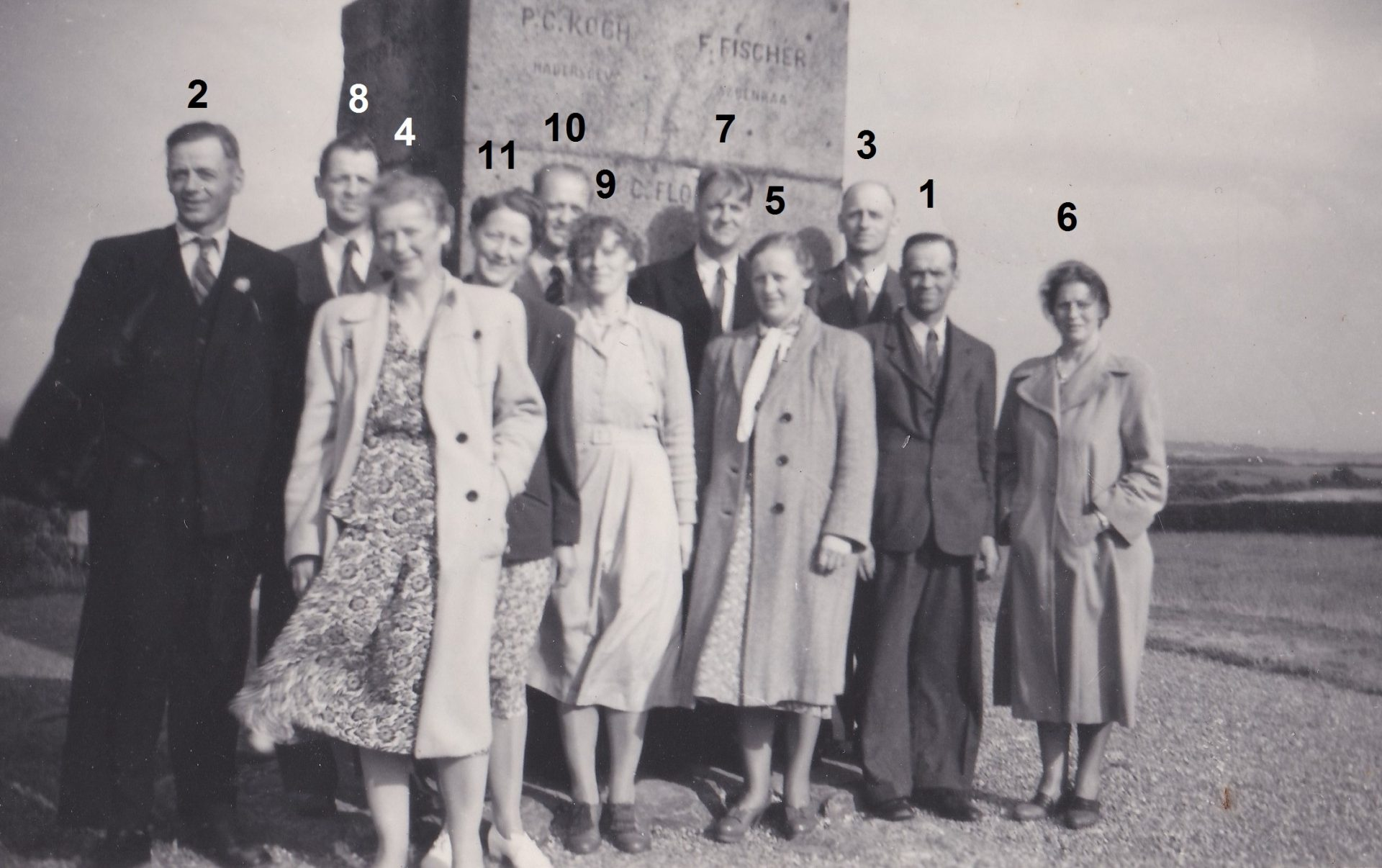 11 søskende fra Gosmer. Angiveligt 1950.