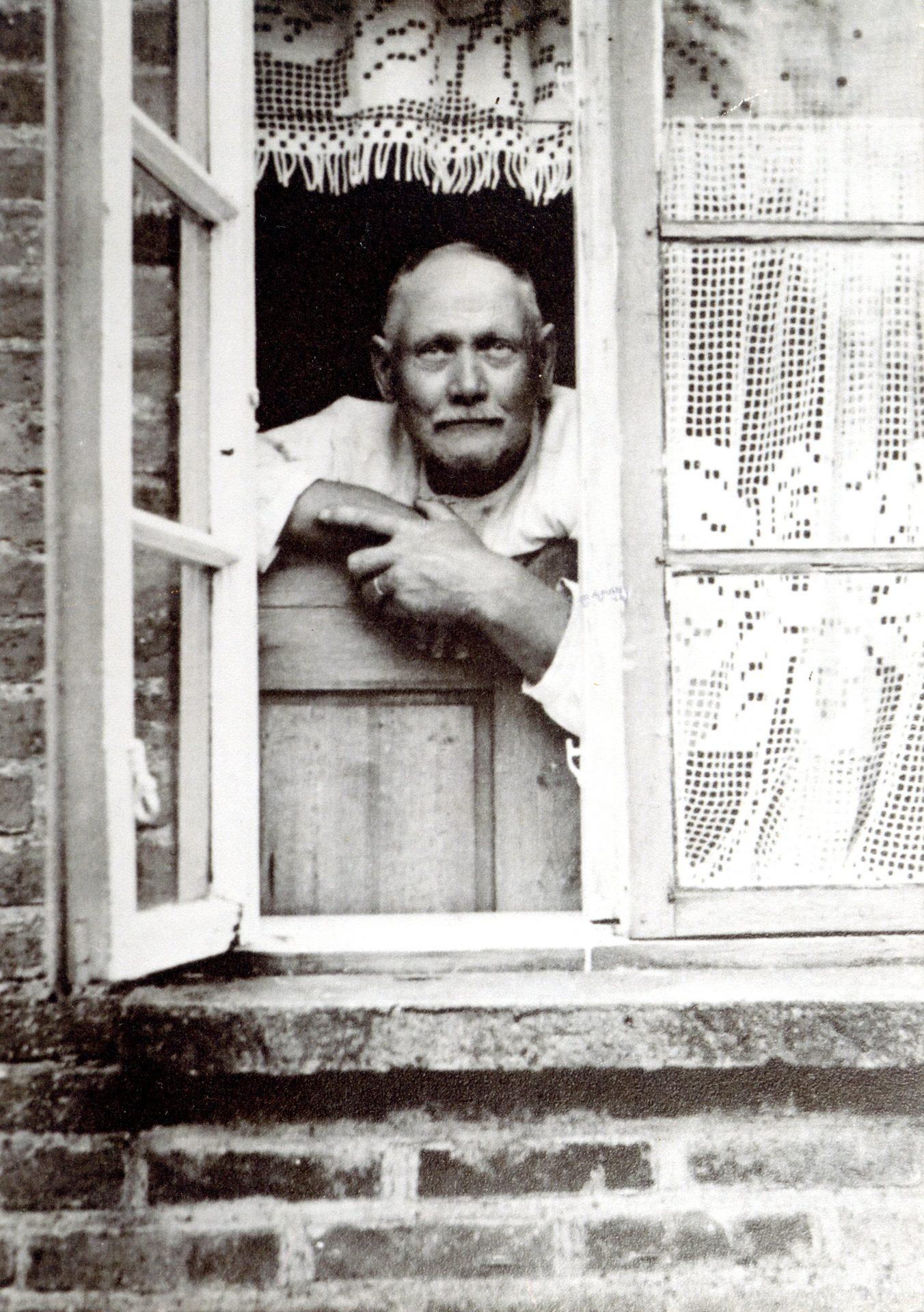 Nis Jørgen Hansen (1877-1965), husmand i Virkelyst. Årstal ukendt.