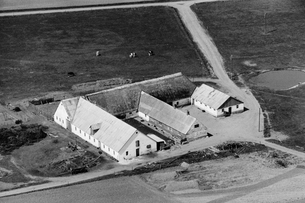 Gammel Skold, i dag Trækrisvej 4, fotograferet i slutningen af 1940'erne. Kilde: Det Kongelige Biblioteks Luftfotosamling.